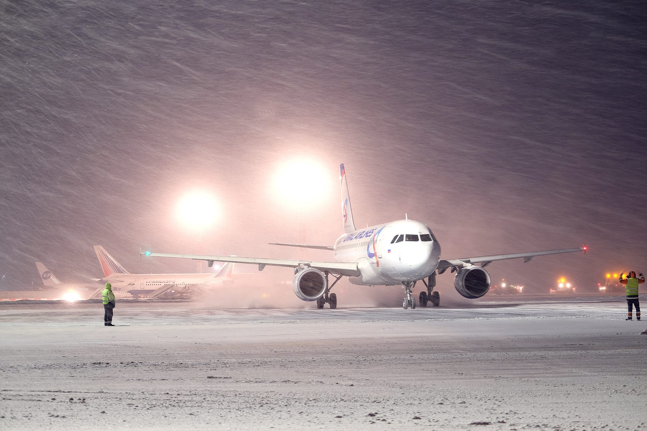 skybook advanced weather forecasting explained. The image shows a fleet of aircraft in extreme snow and ice conditions